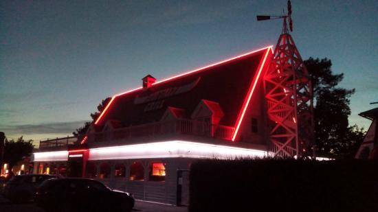 BUFFALO NANTES ORVAULT ,Silhouétage néon rouge