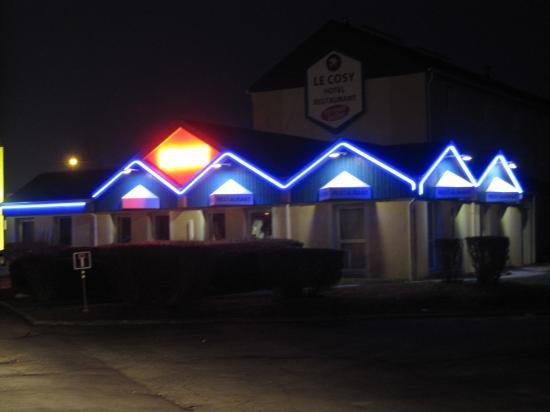 Hotel Restaurant le COSY en néonflex(voir vidéo)